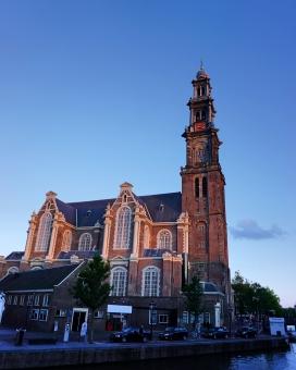 夕方 夕焼け 塔 タワー 鐘楼 聖堂 アムステルダム オランダ 観光 旅 旅行 人気スポット 見どころ