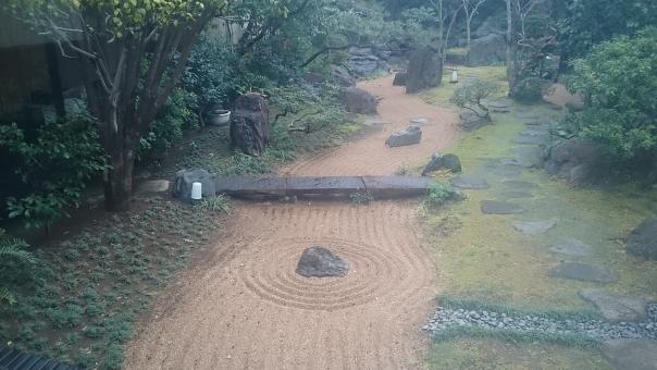庭 さんぽ 散歩 ガ-デン 日本の庭 癒される いやされる 緑 みどり 木 植物 しょくぶつ