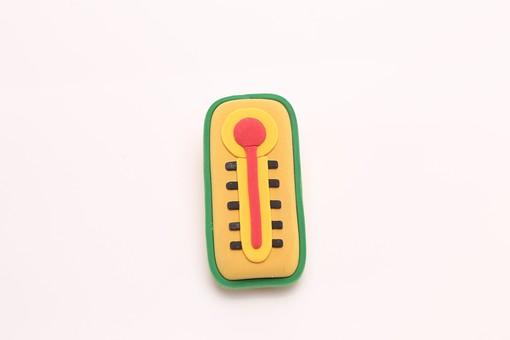 クレイアート ねんど 粘土 立体イラスト クラフト     スタジオ撮影 白バック 白背景  健康   熱中症 日射病 猛暑 真夏  炎天下 暑い 寒い 計測器 屋外 気温 温度計  寒暖計 機械 目盛り 上昇 素材 シンプル デフォルメ