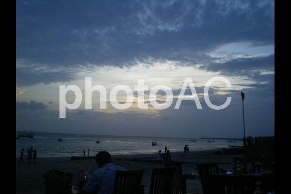 夕暮れの海 バリの写真