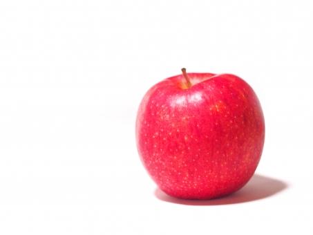 りんご リンゴ 林檎 apple アップル あっぷる 赤 赤い あか あかい 赤い林檎 紅い 紅 果物 くだもの ふるーつ フルーツ つや 艶 ツヤ つやつや ツヤツヤ 芯 赤い実