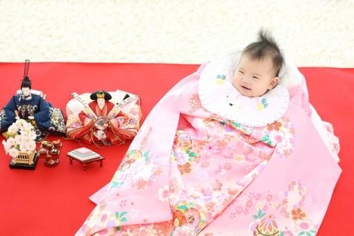 赤ちゃん 初節句 雛祭り ひな祭り 桃の節句 かわいい 女の子 和服