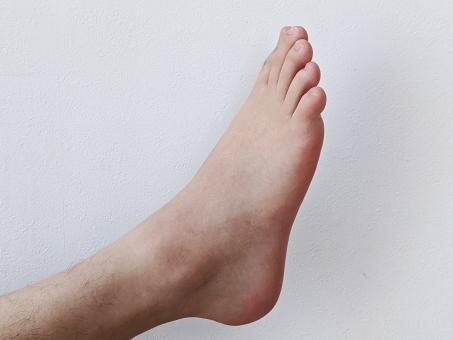 右足の写真素材|写真素材なら「写真AC」無料(フリー)ダウンロードOK