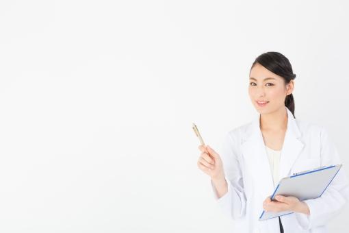 医者 病院 医療 女医 女性 女 人物 白衣 健康 健康診断 検査 入院 定期検査 人間ドック 診断 診断書 ホスピタル 退院 外科 内科 薬 研究 研究所 指差し 文字 文字スペース テキスト 広告