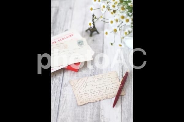 レターセットとペン(縦)の写真