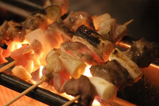 やきとり 焼鳥 ヤキトリ 食品 串 料理 食べ物 ねぎま 鶏肉 鳥肉 ビール