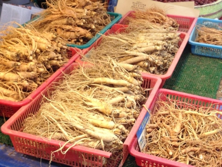 韓国 市場 朝鮮人参 漢方 チョウセンニンジン 高麗人参 滋養強壮