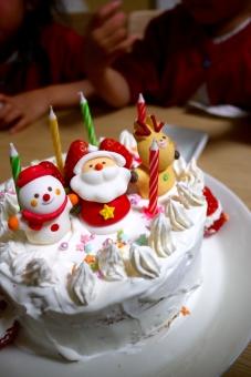 手作り クリスマス クリスマスケーキ クリスマスパーティー 手作りクリスマスケーキ パーティー 生クリーム いちご イチゴ 苺 サンタ サンタさん トナカイ 雪だるま スポンジ スノーマン 美味しい 美味しそう ホームパーティー 家で 家 こどもと 子ども 子供 喜ぶ 楽しい ワクワク キラキラ 親子で 親子 12月 サンタクロース ろうそく 料理 ケーキ