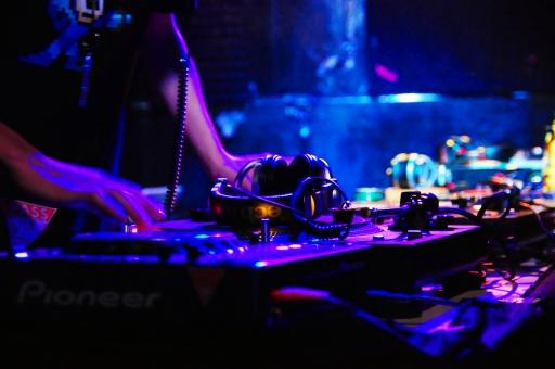 「DJ フリー素材」の画像検索結果