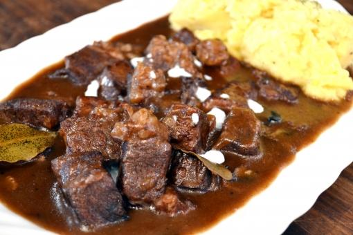 ビーフシチュー シチュー 肉 ビーフストロガノフ ブラウンシチュー ベルギー ベルギー料理 料理 食事 ご飯