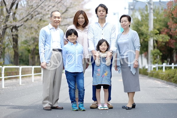 三世代家族12の写真