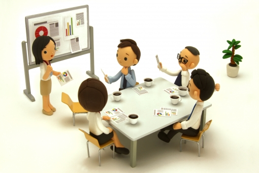 ねんど人形のミーティングの写真