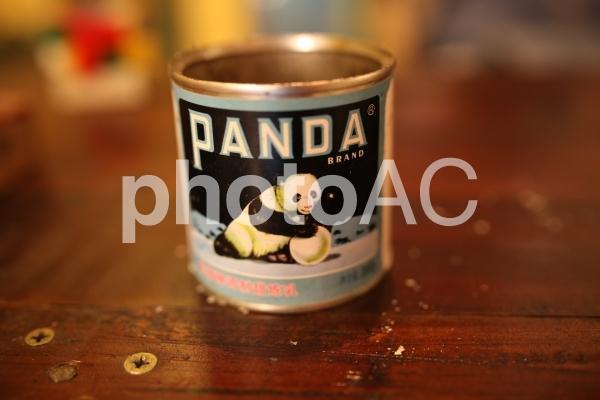 パンダの缶の写真