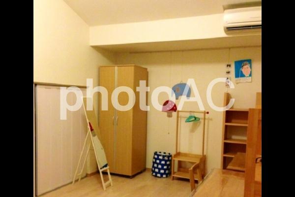 片付いた子供部屋の写真