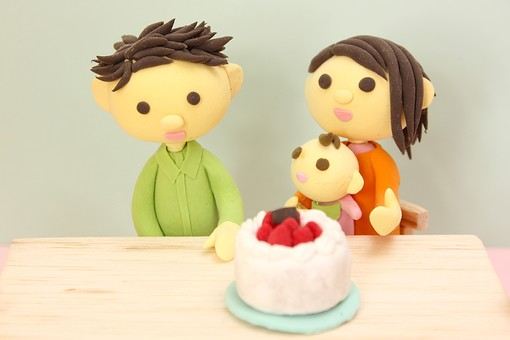 クレイ クレイアート クレイドール ねんど 粘土 クラフト 人形 アート 立体イラスト 粘土作品 ケーキ 赤ちゃん 男性 女性 親子 お母さん お父さん 子供 子ども  団らん だんらん 団欒
