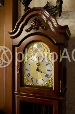 大きな古時計の写真