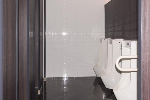 トイレ 男子トイレ きれい 便所 手すり 清潔 トイレット 生理現象 男性 タイル張り タイル