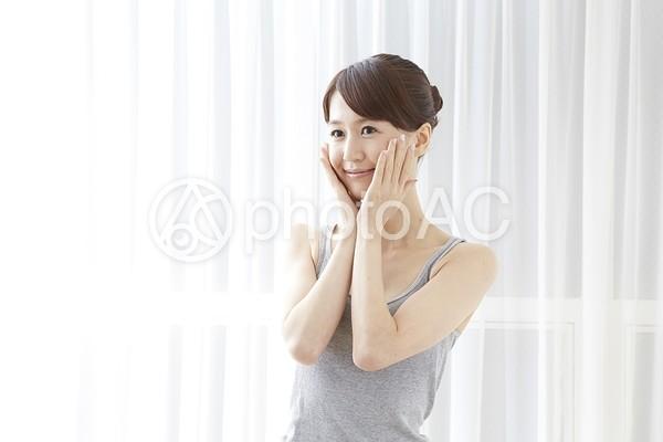 日本人女性リラックス32の写真