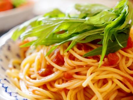 野菜 レタス パスタ スパゲッティ トマト ランチ