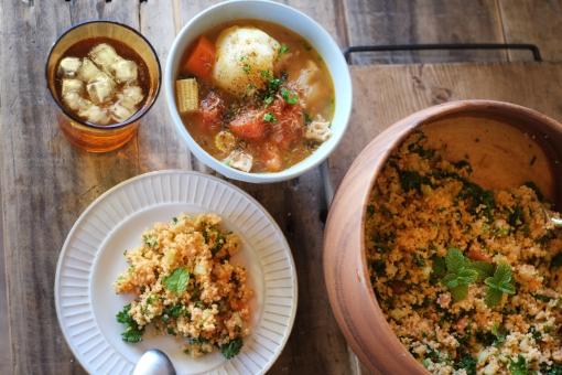 野菜スープ スープ ポタージュ タブレサラダ タブレ タブーレ サラダ クスクス 食卓 ダイニングテーブル フランス料理 地中海料理 パスタ 郷土料理