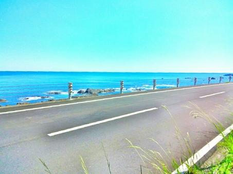 晴れ 晴天 快晴 青空 青い ブルー 空 そら スカイ スカイブルー 水色 みずいろ 太陽 ひかり 輝き きらきら 綺麗 きれい 美しい ビューティフル 自然 しぜん 風景 景色 癒し リラックス 海 うみ 海辺 ビーチ 海岸沿い 道 道路 走る 爽快 ドライブ 車 サイクリング 自転車 風 潮風 気持ちいい リフレッシュ たのしい エンジョイ 休日 休み ハッピー 南国 夏 サマー 暑い季節