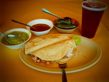 タコス メキシコ サルサ アボガド ジュース 食べ物 食器