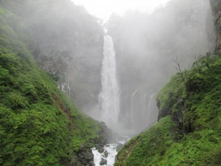 華厳の滝 華厳滝 滝 たき 日光 にっこう 日光市 日本 java マイナスイオン 霧 きり 緑 みどり green 景色 風景 山 やま 大自然
