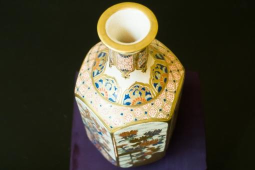 骨董品 花瓶 アンティーク 和 置物 飾り 磁器 壺 お宝 絵付け 古い 豪華 高価 インテリア 古物商 目利き 重厚