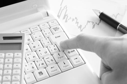 オンライントレード 投資 オンライン取引 株式投資 FX 外為 外国為替 証拠金 追証 決済 確定 損切り 利益確定 約定 決済 注文 決心 タイミング ビジネス 仕事 作業 ワンクリック 背景 素材 背景素材 チャート お金 マネー ドル円 外国人投資家