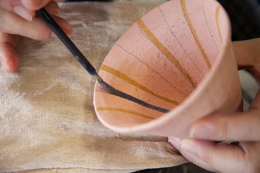 風景 人物 伝統 陶芸 工芸 教室 ハンドメイド 手作り 体験 職人 技 職人技 粘土 和風 焼き物 陶器 工程 制作 成型 芸術 デザイン アート 記念 美術品 彫刻 乾燥 焼く 手 腕