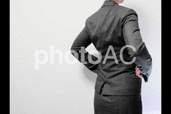 スーツを着た女性後姿2写真素材なら写真ac無料フリー