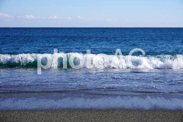 桂浜の波打ち際1の写真