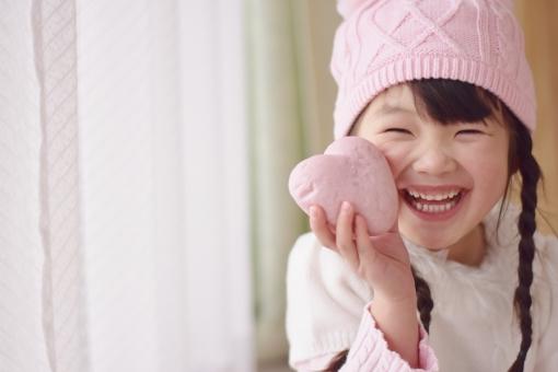ハート 子供 子ども こども 女の子 ピンク mdfk023 冬 笑顔 バレンタイン