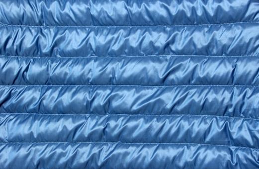 ダウン ジャケット 軽い 素材 生地 ダウン生地 冬 暖かい ライト 羽毛 ダウン素材 背景 背景素材 衣服 衣類 アウター インナー 防寒 寒い あたたかい ウォーム ウォーマー 断熱 遮断 青い 青 クール ライトブルー 軽量 防水