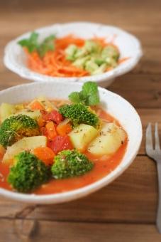 野菜スープ スープ サラダ ヘルシー 野菜 とまと トマト じゃがいも ジャガイモ ブロッコリー ニンジン にんじん 人参 トマトスープ アボカド アボガド カフェ カフェごはん 健康 salad food cafe cafemenu soup vegan ビーガン マクロビ