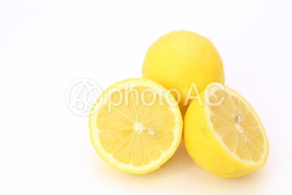 切ったレモン3の写真