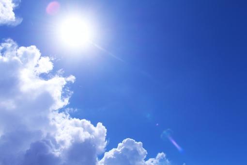 日差し 太陽 太陽光 日光 真夏 梅雨明け 夏 サマー 夏休み ソーラー 快晴 空 青空 沖縄 おきなわ オキナワ 積乱雲 入道雲 雲 エコ エネルギー 背景 風景 テクスチャ バックグラウンド 暑い 眩しい 熱中症 シミ 日焼け 逆光 紫外線 uv sky 天気 晴れ エコロジー 初夏 陽射し 天候 沖縄の空 光線 光 灼熱 直射日光