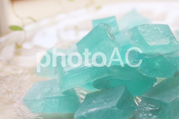 食べられる鉱石(琥珀糖)2の写真