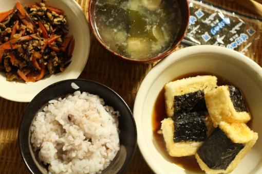 味噌汁 揚げ出し豆腐 ひじきの煮物 ひじき ご飯 雑穀米 おうちごはん 海苔 味付け海苔 和食 ダイエット 健康食 ヘルシー