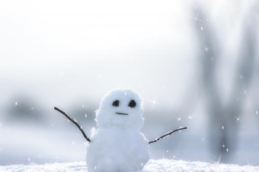 雪だるま 雪 冬 逆光 白 万歳 バンザイ 丸 まる スノー スノーマン