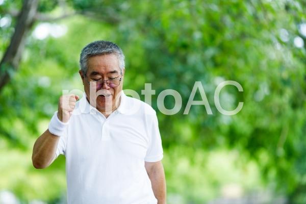 白髪男性 ポートレートの写真