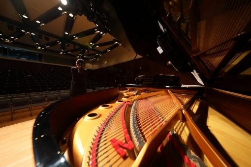 音楽 ピアノ ステージ 楽器 舞台 ホール コンサート 演奏会