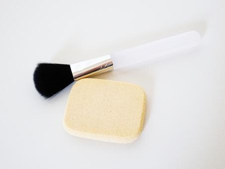 化粧 化粧品 ファンデーション スポンジ メイク ブラシ メイクブラシ はけ 刷毛 筆 ふで 道具 アップ 手入れ 綺麗 ファンデ リキッド パウダー チーク 見た目 美容 アイテム スキンケア スキン 肌 敏感 美肌 乾燥 洗う 使い捨て