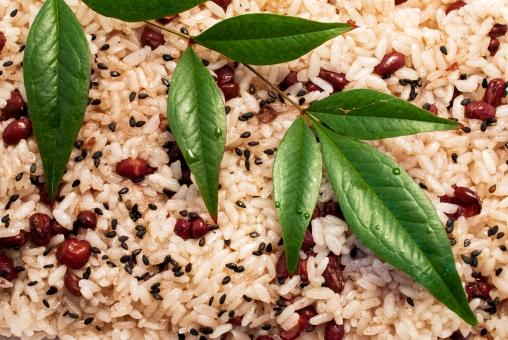 赤飯 もち米 縁起 祝い 風習 南天の葉 小豆 ゴマ