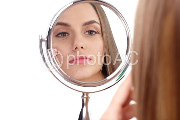 女性と鏡21の写真