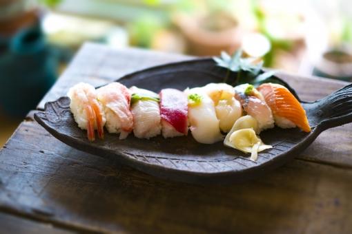 握り寿司セットの写真