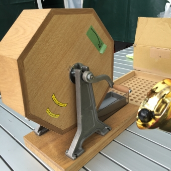木材 家具 箱 企業 木工 入れもの 屋内で 机 設備 アタリ 当たり クジ引き クジ くじ引き 福引き 抽選会