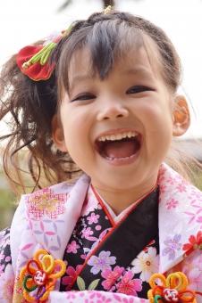 七五三 被布 3歳 女の子 笑顔