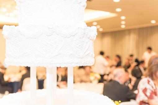 ウェディングケーキ ブライダル 披露宴 式場 ホイップ 結婚式 夫婦 お祝い ケーキカット 共同作業 マリッジ 生クリーム