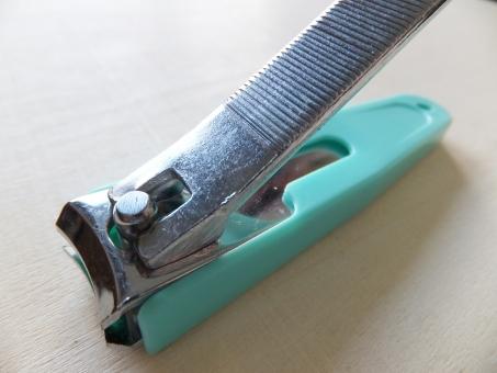 爪きり つめきり 爪切り つめ切り 生活 暮らし 家庭 道具 日用品 生活用品 爪 つめ ツメ 切る カット 衛生 身だしなみ 緑 グリーン シンプル 整える 深爪 痛い ヤスリ やすり 鑢 エチケット 切れる 刃